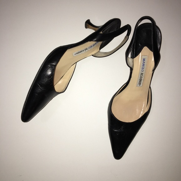 da894982d1b Manolo Blahnik Black Carolyne Leather Low-Heel 38.  M 5c479a5bc2e9fecbbddc092e
